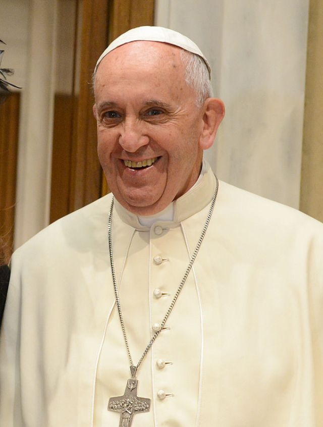 680px-franciscus_in_2015