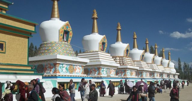 1600px-stupas